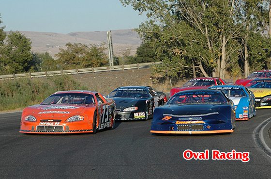 picture of oval race car